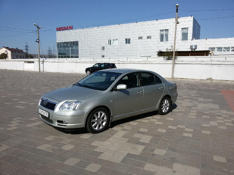 Toyota Avensis  2003г.